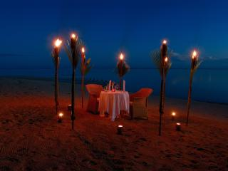 Romantic Beach Dining